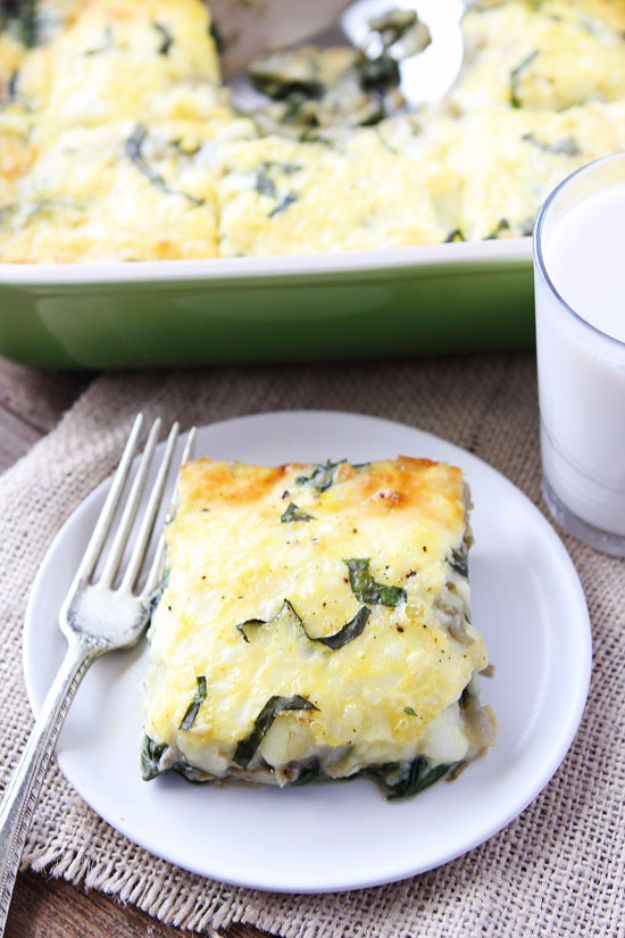 Best Spinach Recipes - Spinach Artichoke Egg Casserole - Easy, Healthy Lowfat Recipe Ideas for Dinner, Salads, Lunches, Sides, Smoothies and Even Dessert - Qucik and Creative Ideas for Vegetables - Cheesy, Creamed, Country Style Favorites for Family and For Kids http://diyjoy.com/best-spinach-recipes