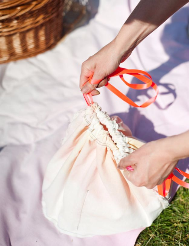 DIY Picnic Ideas - Sunset-Dyed Basket Liner + Pouch - Cool Recipes and Tips for Picnics and Meals Outdoors - Recipes, Easy Sandwich Wraps, Blankets, Baskets and Carriers to Make for Fun Family Outings and Romantic Date Ideas - Mason Jar Drinks, Snack Holders, Utensil Caddy and Picnic Hacks