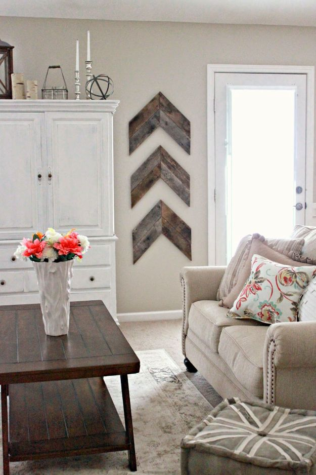 Best Country Decor Ideas - Chic and Simple Reclaimed Wood Wall Chevrons - Rustic Farmhouse Decor Tutorials and Easy Vintage Shabby Chic Home Decor for Kitchen, Living Room and Bathroom - Creative Country Crafts, Rustic Wall Art and Accessories to Make and Sell http://diyjoy.com/country-decor-ideas