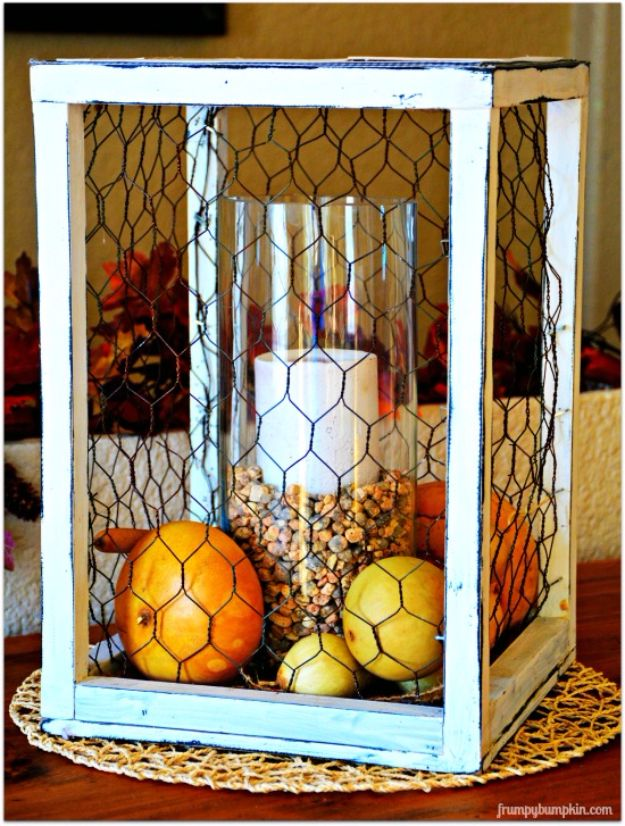 diy ideas chicken wire crafts -Chicken Wire Centerpiece - Rustic Farmhouse Decor Tutorials With Chickenwire and Easy Vintage Shabby Chic Home Decor for Kitchen, Living Room and Bathroom - Creative Country Crafts #diy #crafts