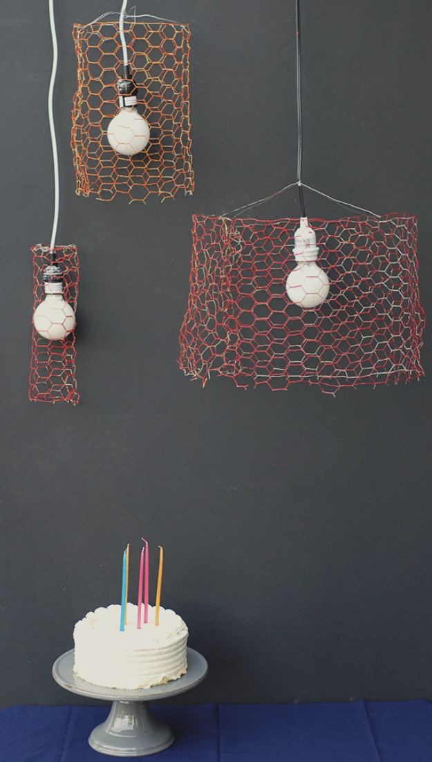 diy ideas chicken wire crafts -Chicken Wire Pendants - Rustic Farmhouse Decor Tutorials With Chickenwire and Easy Vintage Shabby Chic Home Decor for Kitchen, Living Room and Bathroom - Creative Country Crafts #diy #crafts
