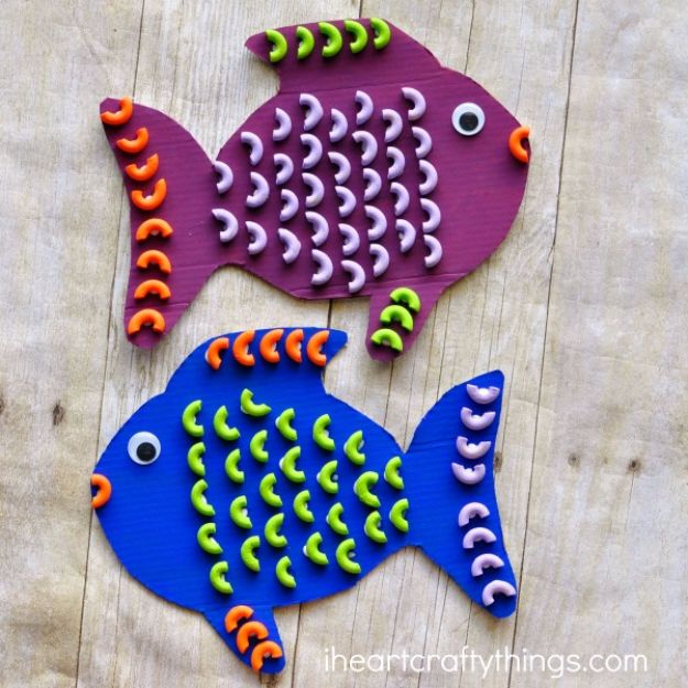 DIY Ideas for Kids To Make This Summer - Colorful Pasta Fish - Fun Crafts and Cool Projects for Boys and Girls To Make at Home - Easy and Cheap Do It Yourself Project Ideas With Paint, Glue, Paper, Glitter, Chalk and Things You Can Find Around The House - Creative Arts and Crafts Ideas for Children #summer #kidscrafts