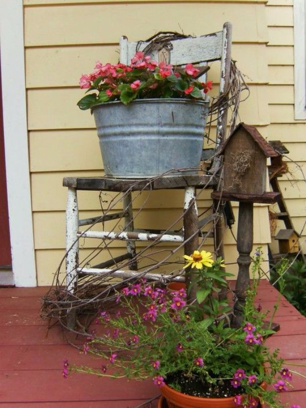 42 Brilliant Country Decor Ideas To Make For Your Porch ... on Country Patio Ideas id=63322