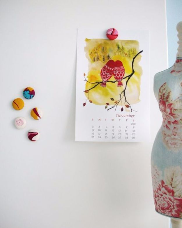 Best Quilting and Fabric Scraps Projects - Cute Covered Magnets - Easy Ideas for Making DIY Home Decor, Homemade Gifts, Wall Art , Kitchen Accessories, Clothes and Fashion from Leftover Fabric Scrap and Quilt Pieces - Cute Do It Yourself Ideas for Birthday, Christmas, Baby and Friends #crafts #quilting #sewing