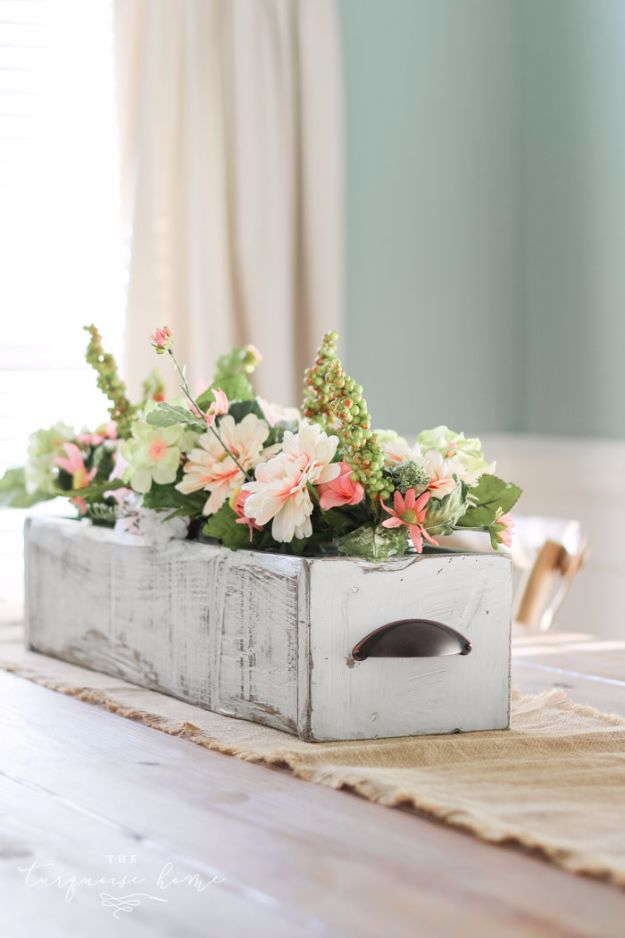 Best Country Decor Ideas - DIY Farmhouse Wooden Box Centerpiece - Rustic Farmhouse Decor Tutorials and Easy Vintage Shabby Chic Home Decor for Kitchen, Living Room and Bathroom - Creative Country Crafts, Rustic Wall Art and Accessories to Make and Sell