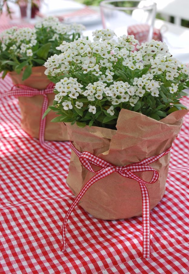 DIY Backyard Party Decor - Easy Floral Decor - Cool Ideas for Decorations for Parties - Easy and Cheap Crafts for Summer Barbecues and Family Get Togethers, Swimming and Pool Party Fun - Step by Step Tutorials For Banners, Table Decor, Serving Ideas and Mason Jar Crafts r