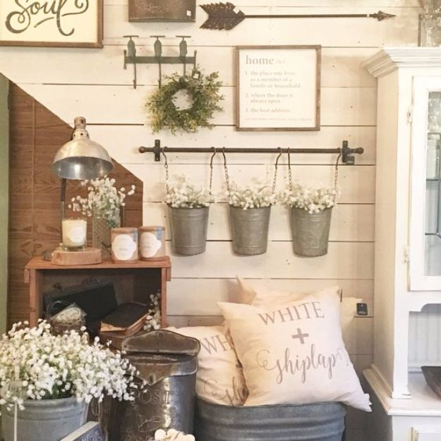Best Country Decor Ideas - Farmhouse Style Gallery Wall - Rustic Farmhouse Decor Tutorials and Easy Vintage Shabby Chic Home Decor for Kitchen, Living Room and Bathroom - Creative Country Crafts, Rustic Wall Art and Accessories to Make and Sell