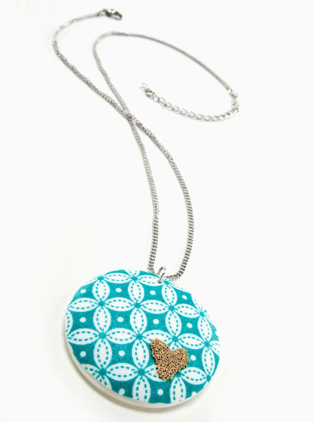 Best Quilting and Fabric Scraps Projects - Gold Beaded Heart DIY Necklace - Easy Ideas for Making DIY Home Decor, Homemade Gifts, Wall Art , Kitchen Accessories, Clothes and Fashion from Leftover Fabric Scrap and Quilt Pieces - Cute Do It Yourself Ideas for Birthday, Christmas, Baby and Friends http://diyjoy.com/quilting-scraps-projects