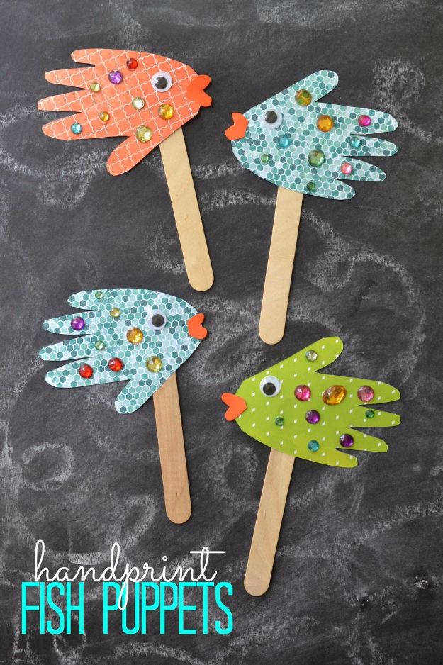 DIY Ideas for Kids To Make This Summer - Handprint Fish Puppets - Fun Crafts and Cool Projects for Boys and Girls To Make at Home - Easy and Cheap Do It Yourself Project Ideas With Paint, Glue, Paper, Glitter, Chalk and Things You Can Find Around The House - Creative Arts and Crafts Ideas for Children #summer #kidscrafts