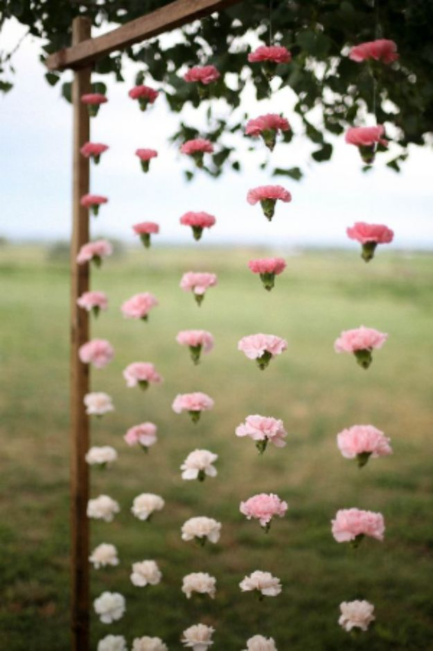 DIY Backyard Party Decor - Hanging Flower Garland - Cool Ideas for Decorations for Parties - Easy and Cheap Crafts for Summer Barbecues and Family Get Togethers, Swimming and Pool Party Fun - Step by Step Tutorials For Banners, Table Decor, Serving Ideas and Mason Jar Crafts r