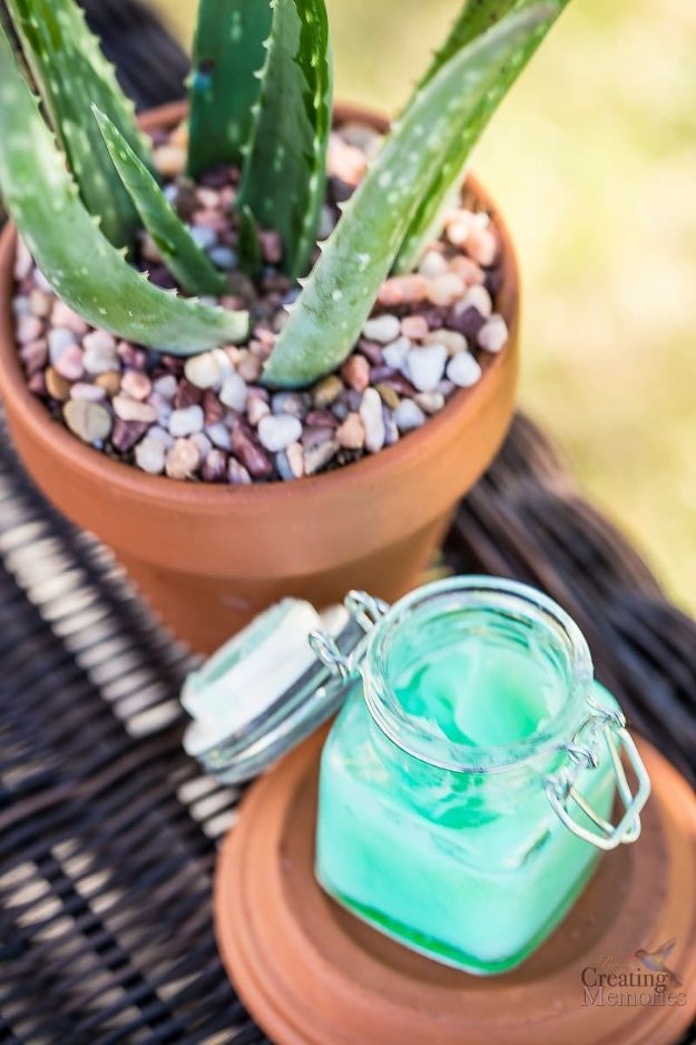 DIY Hacks for Summer - Homemade After Sun Burn Relief - Easy Projects to Try This Summer To Get Organized, Spend Time Outdoors, Play With The Kids, Stay Cool In The Heat - Tips and Tricks to Make Summertime Awesome - Crafts and Home Decor by DIY JOY http://diyjoy.com/diy-hacks-summer
