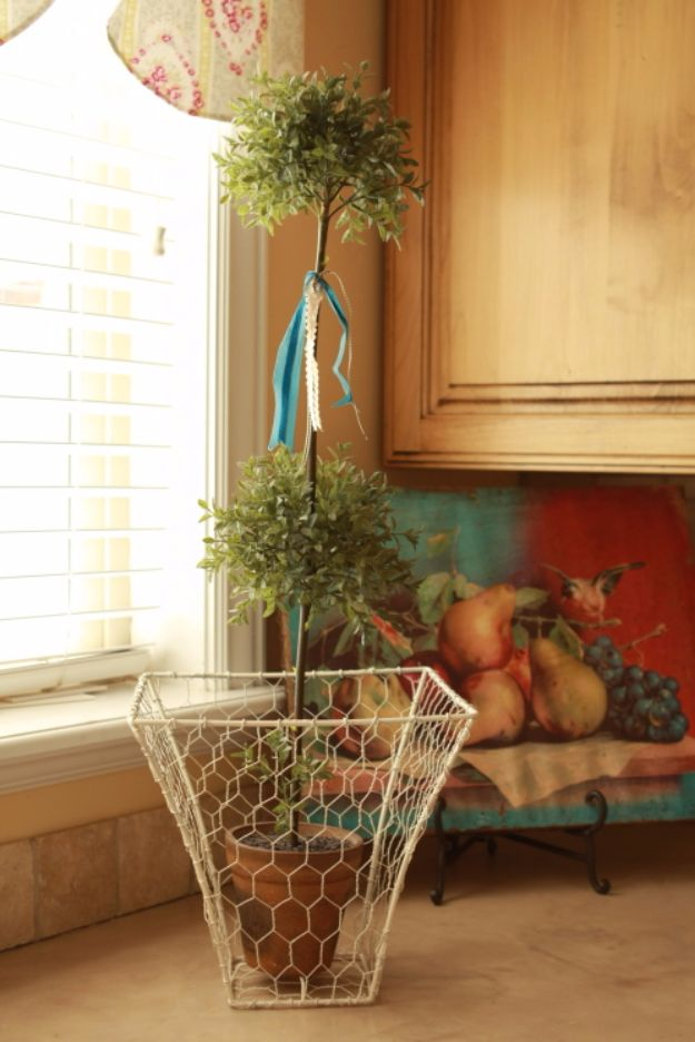 Best DIY Ideas With Chicken Wire   Old Lampshade To Fabulous Chicken Wire  Basket   Rustic
