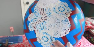 She Glues Doilies On A Ball And Turns It Into Something Magical (Watch!)
