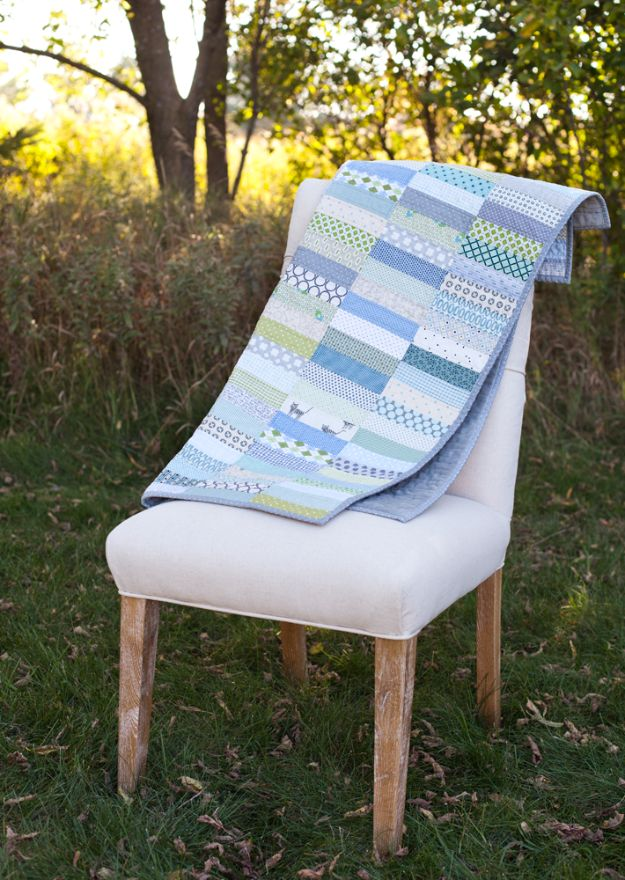 Best Quilting and Fabric Scraps Projects - Scrappy Strip Quilts - Easy Ideas for Making DIY Home Decor, Homemade Gifts, Wall Art , Kitchen Accessories, Clothes and Fashion from Leftover Fabric Scrap and Quilt Pieces - Cute Do It Yourself Ideas for Birthday, Christmas, Baby and Friends http://diyjoy.com/quilting-scraps-projects