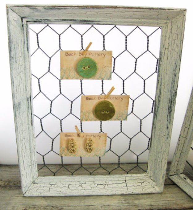 diy ideas chicken wire crafts -Shabby Chic Chicken Wire Frame - Rustic Farmhouse Decor Tutorials With Chickenwire and Easy Vintage Shabby Chic Home Decor for Kitchen, Living Room and Bathroom - Creative Country Crafts #diy #crafts