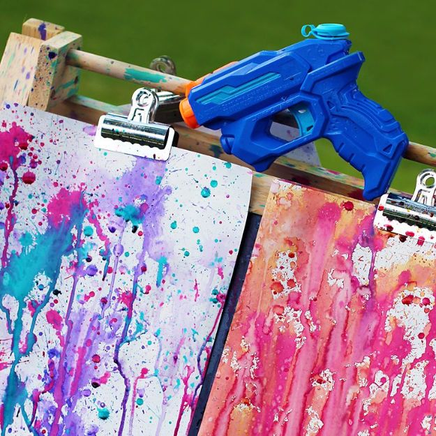 DIY Ideas for Kids To Make This Summer - Squirt Gun Painting - Fun Crafts and Cool Projects for Boys and Girls To Make at Home - Easy and Cheap Do It Yourself Project Ideas With Paint, Glue, Paper, Glitter, Chalk and Things You Can Find Around The House - Creative Arts and Crafts Ideas for Children #summer #kidscrafts