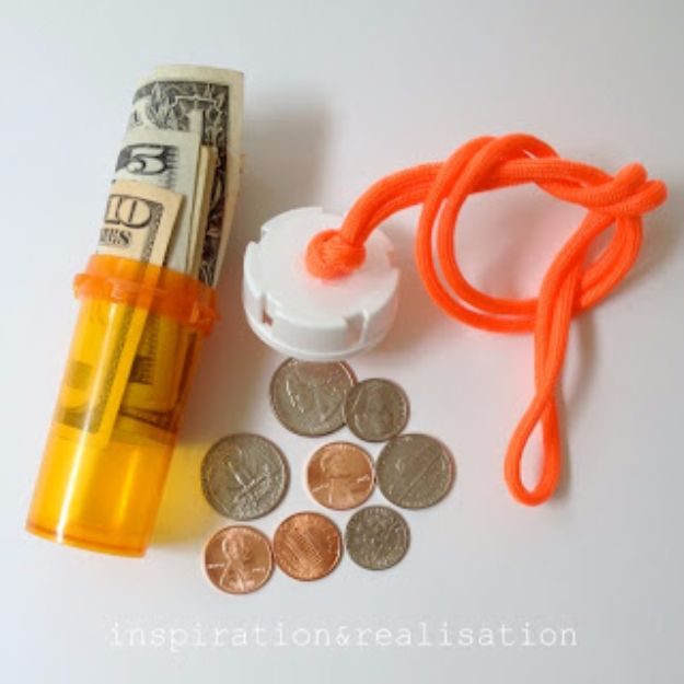 DIY Hacks for Summer - Stash Your Cash To The Beach - Easy Projects to Try This Summer To Get Organized, Spend Time Outdoors, Play With The Kids, Stay Cool In The Heat - Tips and Tricks to Make Summertime Awesome - Crafts and Home Decor by DIY JOY http://diyjoy.com/diy-hacks-summer