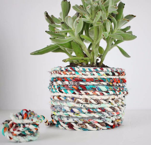 Best Quilting and Fabric Scraps Projects - Twine From Fabric Scraps - Easy Ideas for Making DIY Home Decor, Homemade Gifts, Wall Art , Kitchen Accessories, Clothes and Fashion from Leftover Fabric Scrap and Quilt Pieces - Cute Do It Yourself Ideas for Birthday, Christmas, Baby and Friends #crafts #quilting #sewing