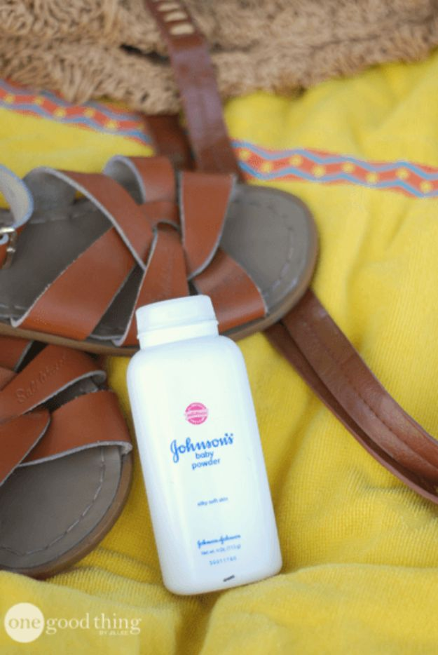 DIY Hacks for Summer - Use Baby Powder To Remove Sand From Skin - Easy Projects to Try This Summer To Get Organized, Spend Time Outdoors, Play With The Kids, Stay Cool In The Heat - Tips and Tricks to Make Summertime Awesome - Crafts and Home Decor by DIY JOY