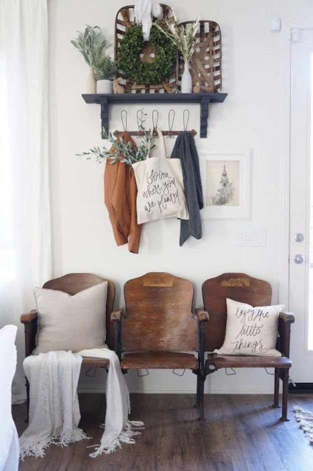 Best Country Decor Ideas - Vintage Theater Seat Entryway - Rustic Farmhouse Decor Tutorials and Easy Vintage Shabby Chic Home Decor for Kitchen, Living Room and Bathroom - Creative Country Crafts, Rustic Wall Art and Accessories to Make and Sell http://diyjoy.com/country-decor-ideas