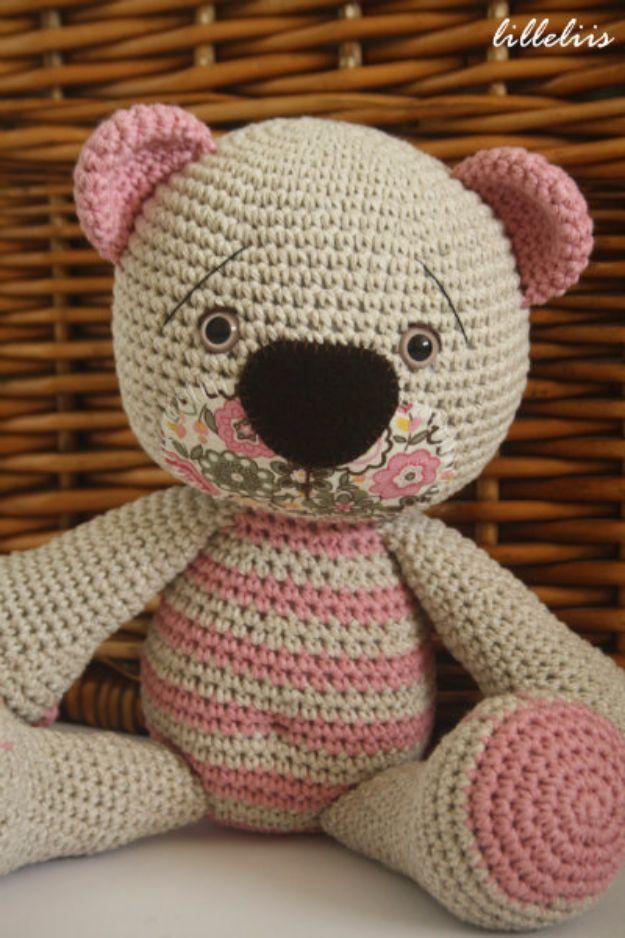 Free Amigurumi Patterns For Beginners and Pros - Avoid Floppy Head In Amigurumi - Easy Amigurimi Tutorials With Step by Step Instructions - Learn How To Crochet Cute Amigurimi Animals, Doll, Mobile, Mini Elephant, Cat, Dinosaur, Owl, Bunny, Dog - Creative Ways to Crochet Cool DIY Gifts for Kids, Teens, Baby and Adults http://diyjoy.com/free-amigurumi-patterns