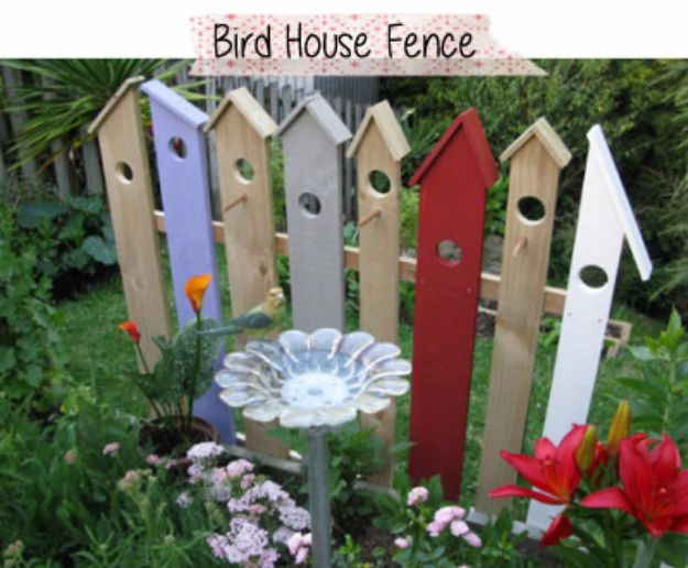 DIY Ideas With Old Fence Posts - Birdhouse Fence - Rustic Farmhouse Decor Tutorials and Projects Made With An Old Fence Post - Easy Vintage Shelving, Wall Art, Picture Frames and Home Decor for Kitchen, Living Room and Bathroom - Creative Country Crafts, Seating, Furniture, Patio Decor and Rustic Wall Art and Accessories to Make and Sell http://diyjoy.com/diy-projects-fence-posts