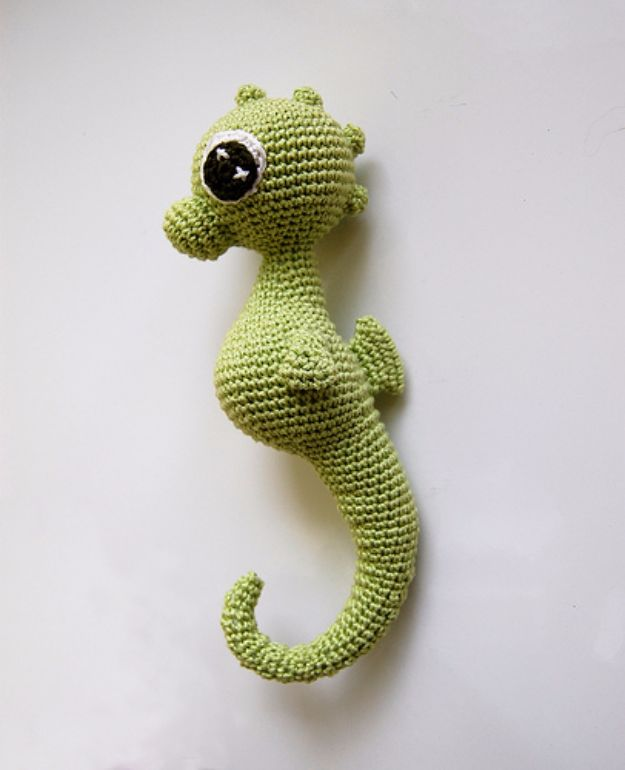 Free Amigurumi Patterns For Beginners and Pros - Charly Seahorse Amigurumi - Easy Amigurimi Tutorials With Step by Step Instructions - Learn How To Crochet Cute Amigurimi Animals, Doll, Mobile, Mini Elephant, Cat, Dinosaur, Owl, Bunny, Dog - Creative Ways to Crochet Cool DIY Gifts for Kids, Teens, Baby and Adults http://diyjoy.com/free-amigurumi-patterns