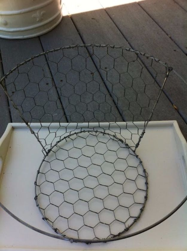 Country Crafts to Make And Sell - DIY Chicken Wire Basket - Easy DIY Home Decor and Rustic Craft Ideas - Step by Step Farmhouse Decor To Make and Sell on Etsy and at Craft Fairs - Tutorials and Instructions for Creative Ways to Make Money - Best Vintage Farmhouse DIY For Living Room, Bedroom, Walls and Gifts #craftstosell #countrycrafts #etsyideas