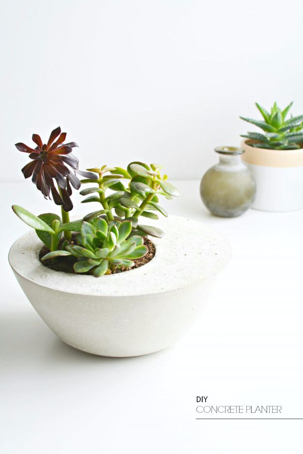 DIY Hacks for Renters - DIY Concrete Table Planter - Easy Ways to Decorate and Fix Things on Rental Property - Decorate Walls, Cheap Ideas for Making an Apartment, Small Space or Tiny Closet Work For You - Quick Hacks and DIY Projects on A Budget - Step by Step Tutorials and Instructions for Simple Home Decor http://diyjoy.com/diy-hacks-renters