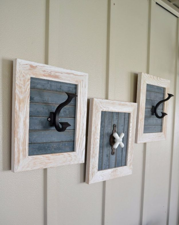 Farmhouse Decor to Make And Sell - DIY Farmhouse Bathroom Hooks - Easy DIY Home Decor and Rustic Craft Ideas - Step by Step Country Crafts, Farmhouse Decor To Make and Sell on Etsy and at Craft Fairs - Tutorials and Instructions for Creative Ways to Make Money - Best Vintage Farmhouse DIY For Living Room, Bedroom, Walls and Gifts #diydecor