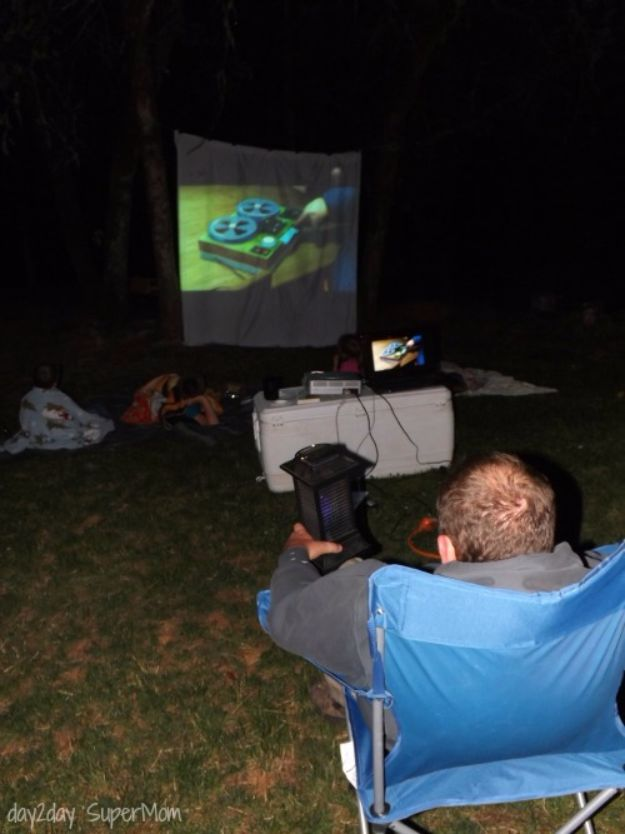 DIY Camping Hacks - DIY Outdoor Movie Night - Easy Tips and Tricks, Recipes for Camping - Gear Ideas, Cheap Camping Supplies, Tutorials for Making Quick Camping Food, Fire Starters, Gear Holders and More http://diyjoy.com/camping-hacks