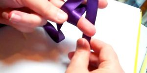 She Wraps Ribbon Around Her Fingers And What She Does Will Surprise You!