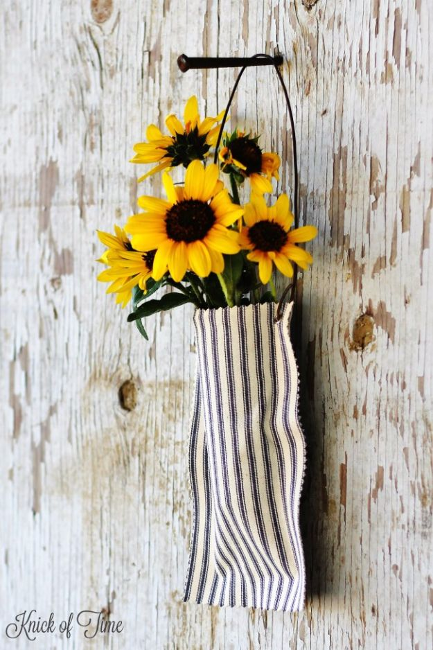 Farmhouse Decor to Make And Sell - Easy DIY No Sew Farmhouse Wall Pocket - Easy DIY Home Decor and Rustic Craft Ideas - Step by Step Country Crafts, Farmhouse Decor To Make and Sell on Etsy and at Craft Fairs - Tutorials and Instructions for Creative Ways to Make Money - Best Vintage Farmhouse DIY For Living Room, Bedroom, Walls and Gifts http://diyjoy.com/farmhouse-decor-to-make-and-sell