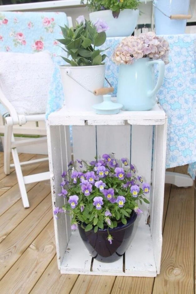 DIY Porch and Patio Ideas - Easy Fruit Crate Porch Décor - Decor Projects and Furniture Tutorials You Can Build for the Outdoors - Lights and Lighting, Mason Jar Crafts, Rocking Chairs, Wreaths, Swings, Bench, Cushions, Chairs, Daybeds and Pallet Signs