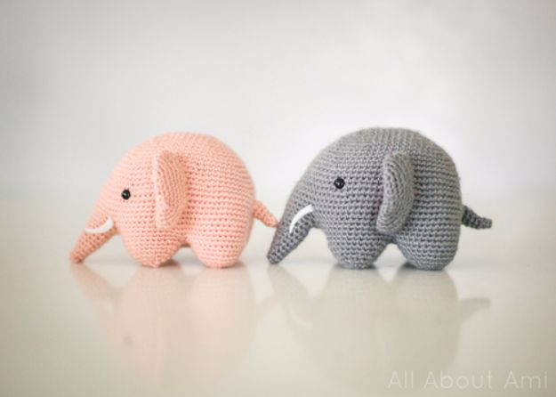 Free Amigurumi Patterns For Beginners and Pros - Elephant Amigurumi - Easy Amigurimi Tutorials With Step by Step Instructions - Learn How To Crochet Cute Amigurimi Animals, Doll, Mobile, Mini Elephant, Cat, Dinosaur, Owl, Bunny, Dog - Creative Ways to Crochet Cool DIY Gifts for Kids, Teens, Baby and Adults #amigurumi #crochet