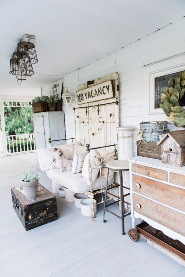 DIY Porch and Patio Ideas - Farmhouse Porch - Decor Projects and Furniture Tutorials You Can Build for the Outdoors - Lights and Lighting, Mason Jar Crafts, Rocking Chairs, Wreaths, Swings, Bench, Cushions, Chairs, Daybeds and Pallet Signs