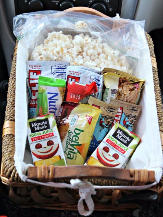 Best DIY Ideas for a Summer Road Trip - Favorite Snack Basket - Cool Crafts and Easy Projects to Make For Road Trips in the Car - Fun Crafts to Make for Vacation - Creative Ideas for Making Cheap Travel Ideas With Creative Money Saving Tips http://diyjoy.com/diy-ideas-summer-road-trip