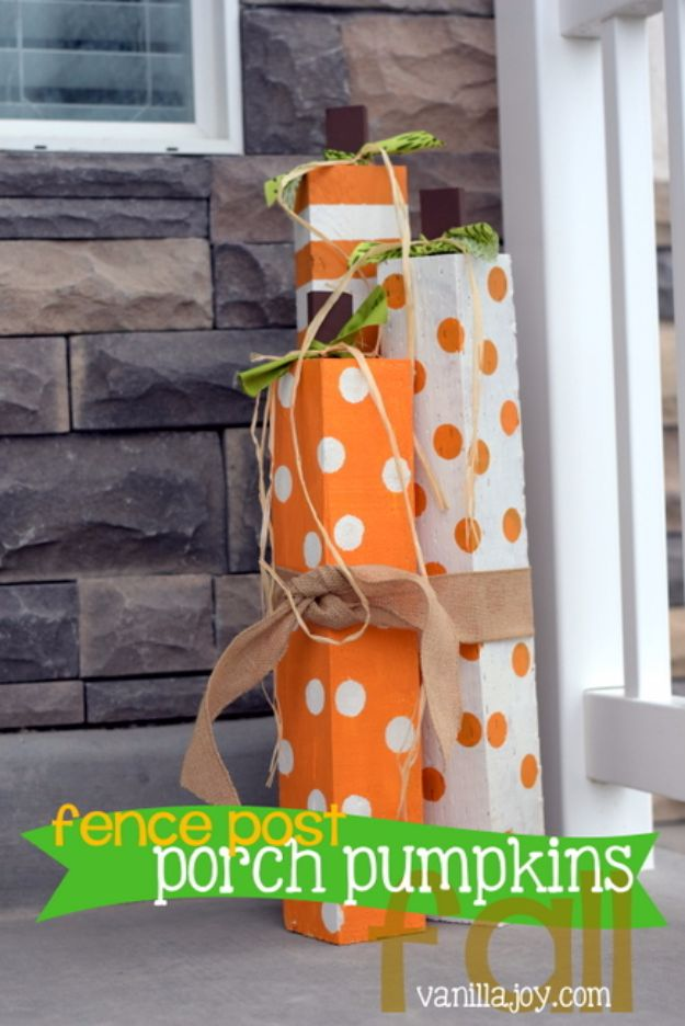 DIY Ideas With Old Fence Posts - Fence Post Porch Pumpkins - Rustic Farmhouse Decor Tutorials and Projects Made With An Old Fence Post - Easy Vintage Shelving, Wall Art, Picture Frames and Home Decor for Kitchen, Living Room and Bathroom - Creative Country Crafts, Seating, Furniture, Patio Decor and Rustic Wall Art and Accessories to Make and Sell http://diyjoy.com/diy-projects-fence-posts