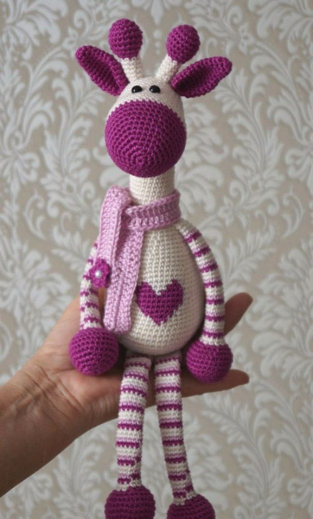 Free Amigurumi Pattern For Beginners and Pros - Hearty Giraffe Amigurumi - Easy Amigurimi Tutorials With Step by Step Instructions - Learn How To Crochet Cute Amigurimi Animals, Doll, Mobile, Mini Elephant, Cat, Dinosaur, Owl, Bunny, Dog - Creative Ways to Crochet Cool DIY Gifts for Kids, Teens, Baby and Adults #amigurumi #crochet