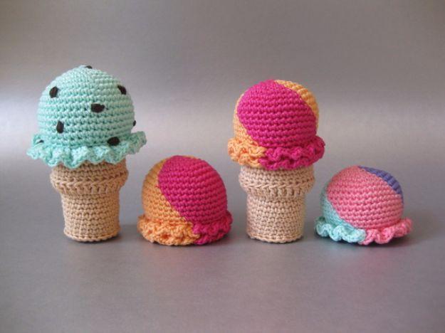 6 Rooster Crochet Amigurumi Patterns | 468x625