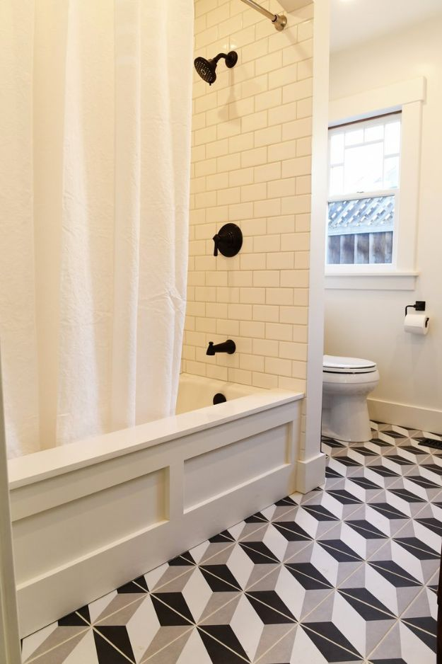 DIY Remodeling Hacks - Inexpensive Tub Trick - Quick and Easy Home Repair Tips and Tricks - Cool Hacks for DIY Home Improvement Ideas - Cheap Ways To Fix Bathroom, Bedroom, Kitchen, Outdoor, Living Room and Lighting - Creative Renovation on A Budget - DIY Projects and Crafts by DIY JOY http://diyjoy.com/diy-remodeling-hacks