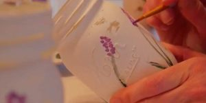 She Puts Lavender And Green Paint On Mason Jars, But What She Does Next Is So Clever!