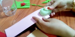 She Rolls Crepe Paper On A Wire And Watch What She Does With It!