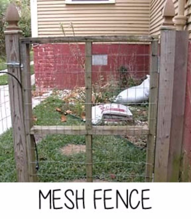 DIY Ideas With Old Fence Posts - Mesh Fence - Rustic Farmhouse Decor Tutorials and Projects Made With An Old Fence Post - Easy Vintage Shelving, Wall Art, Picture Frames and Home Decor for Kitchen, Living Room and Bathroom - Creative Country Crafts, Seating, Furniture, Patio Decor and Rustic Wall Art and Accessories to Make and Sell