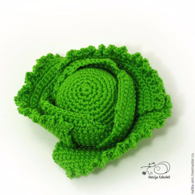 Free Amigurumi Patterns For Beginners and Pros - Mini Cabbage Crochet - Easy Amigurimi Tutorials With Step by Step Instructions - Learn How To Crochet Cute Amigurimi Animals, Doll, Mobile, Mini Elephant, Cat, Dinosaur, Owl, Bunny, Dog - Creative Ways to Crochet Cool DIY Gifts for Kids, Teens, Baby and Adults http://diyjoy.com/free-amigurumi-patterns
