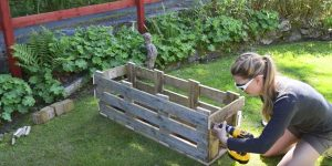 You Won't Believe What She Makes Out Of A Simple Wooden Pallet. Watch!