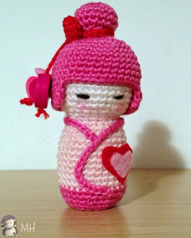 Free Amigurumi Patterns For Beginners and Pros - Pink Kokeshi Amigurumi - Easy Amigurimi Tutorials With Step by Step Instructions - Learn How To Crochet Cute Amigurimi Animals, Doll, Mobile, Mini Elephant, Cat, Dinosaur, Owl, Bunny, Dog - Creative Ways to Crochet Cool DIY Gifts for Kids, Teens, Baby and Adults #amigurumi #crochet
