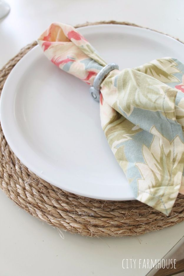 Country Crafts to Make And Sell - Pottery Barn Inspired Round Jute Placemats - Easy DIY Home Decor and Rustic Craft Ideas - Step by Step Farmhouse Decor To Make and Sell on Etsy and at Craft Fairs - Tutorials and Instructions for Creative Ways to Make Money - Best Vintage Farmhouse DIY For Living Room, Bedroom, Walls and Gifts #craftstosell #countrycrafts #etsyideas