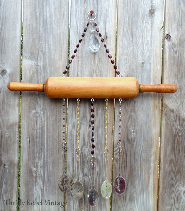 Farmhouse Decor to Make And Sell - Repurposed Rolling Pin - Easy DIY Home Decor and Rustic Craft Ideas - Step by Step Country Crafts, Farmhouse Decor To Make and Sell on Etsy and at Craft Fairs - Tutorials and Instructions for Creative Ways to Make Money - Best Vintage Farmhouse DIY For Living Room, Bedroom, Walls and Gifts #diydecor