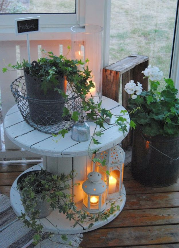 DIY Porch and Patio Ideas - Repurposed Spool Table - Decor Projects and Furniture Tutorials You Can Build for the Outdoors - Lights and Lighting, Mason Jar Crafts, Rocking Chairs, Wreaths, Swings, Bench, Cushions, Chairs, Daybeds and Pallet Signs